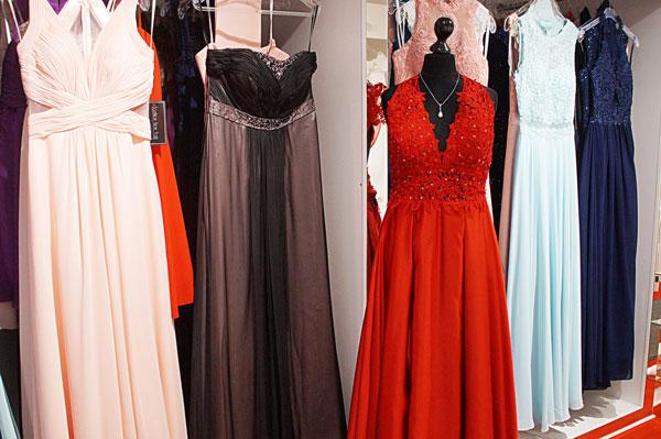 Abendkleider von Brautmoden und Abendmode Alawi in Lübeck Stockelsdorf
