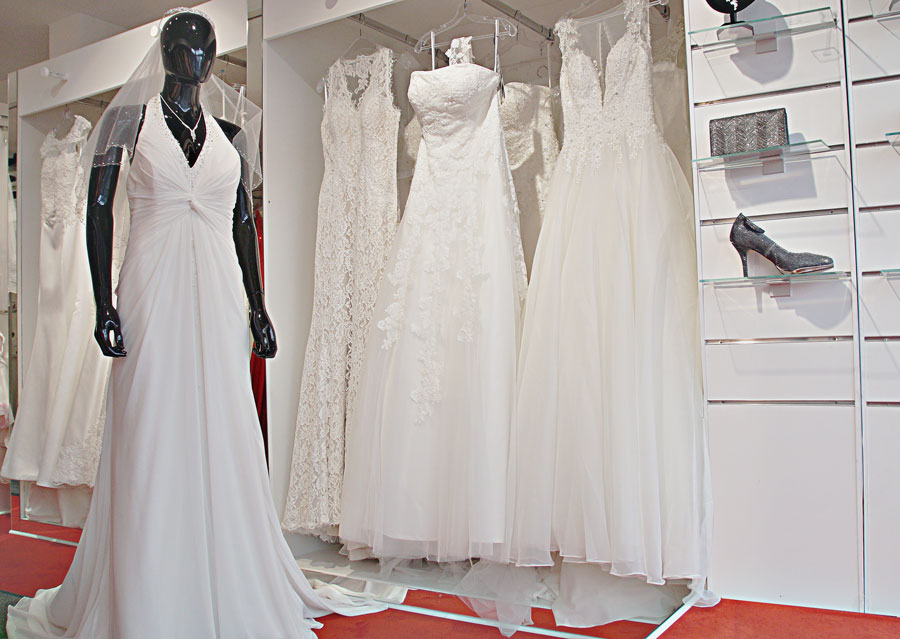 Brautkleider in Lübeck Stockelsdorf bei Brautmode Alawi