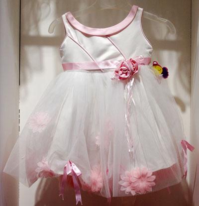 Brautkleider für Kinder in Lübeck Stockelsdorf bei Alawi